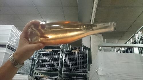 depot in spumante doorzichtige fles
